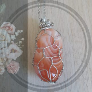 Carnelian stone Pendant, healing properties, silver net setting with chain