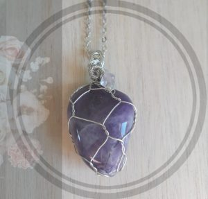 4. Amethyst stone pendant, with silver net setting and chain